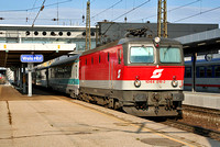 1044 016 at Wels Hbf