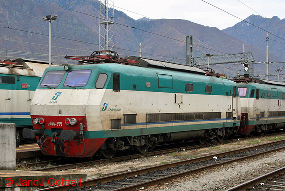 E444 099 at Domodossola