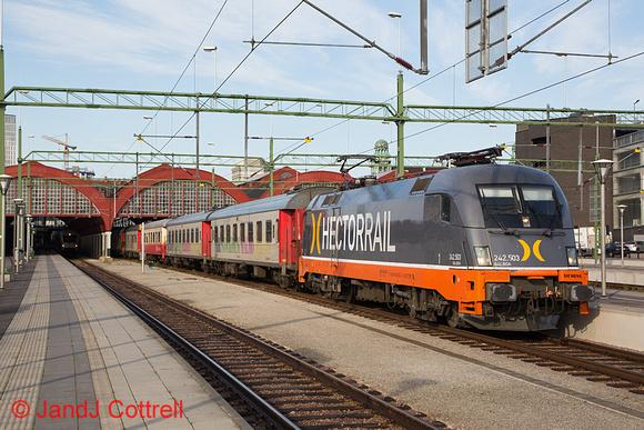 242 503 at Malmö C