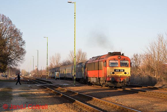 418 316 at Győrszemere