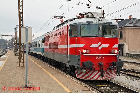 342 010 at Pragersko