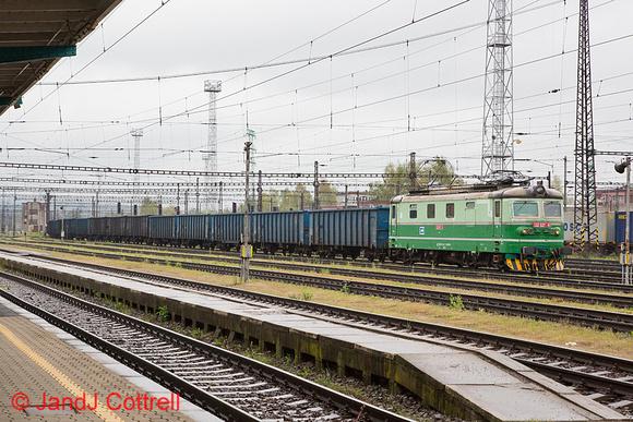 122 027 at Česká Třebová