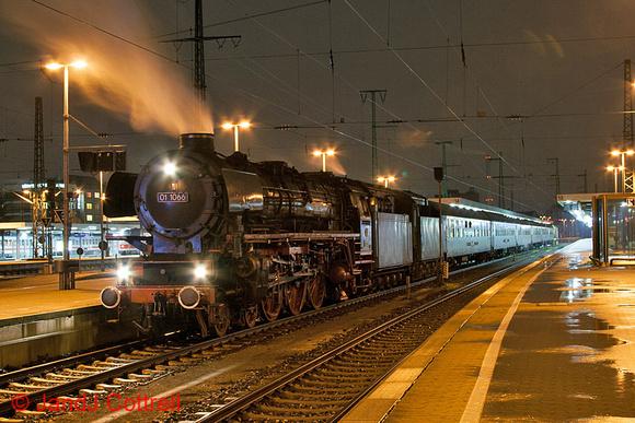 01 1066 at Nürnberg Hbf