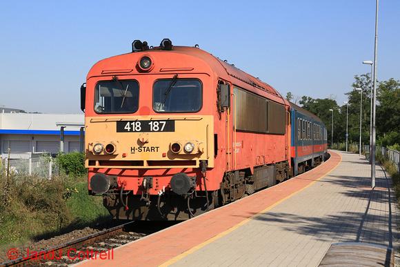 418 187 at Piliscsév