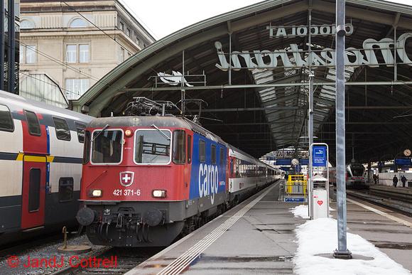 421 371 at St Gallen